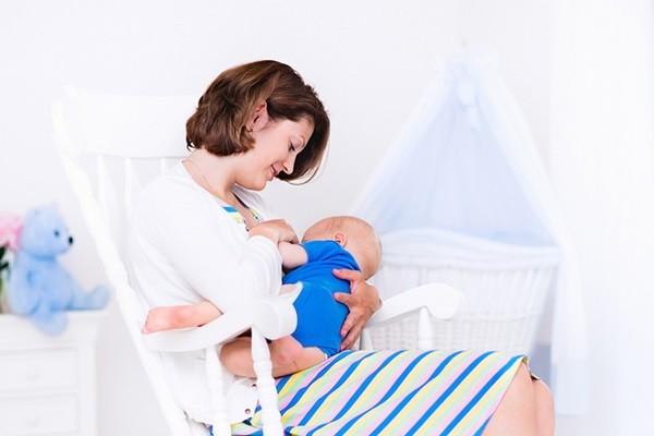 mecedora de lactancia
