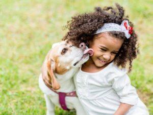 Los-beneficios-de-las-mascotas-para-los-niños-e1449312271718-700x530